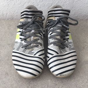 Boys Adidas Messi Soccer Cleats Size 4